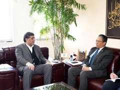 ISLAMABAD:Malaysian High Commissioner, Ikram Bin Mohammad Ibrahim called on Sardar Ahmad Nawaz Sukhera, Secretary Commerce.