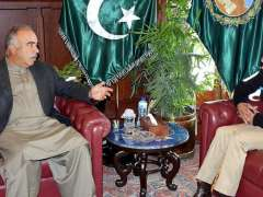 PESHAWAR:Governor Khyber Pakhtunkhwa Shah Farman talking to the newly posted Inspector General Police Khyber Pakhtunkhwa Dr. Sana-ul-llah Abbasi who called on him at Governor House.