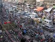 راولپنڈی، ایس او پیز کی خلاف ورزی کرتے ہوئے باڑہ مارکیٹ میں لاک ڈاؤن ..
