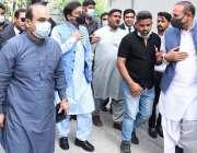 لاہور، پنجاب اسمبلی میں قائد حزب اختلاف حمزہ شہباز بینکنگ کورٹ میں ..
