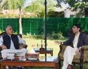 اسلام آباد، گورنر خیبرپختونخوا شاہ فرمان سے وزیراعظم کے معاون خصوصی ..