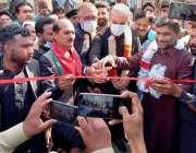 ملتان، وزیر خارجہ شاہ محمود قریشی یونین کونسل 50 ممتاز آباد میں سڑک ..