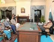اسلام آباد، وزیراعظم عمران خان کو پاکستان میں کورونا ویکسین کی دستیابی ..