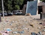 کراچی، کلفٹن میں قائم کے پی ٹی چورنگی صفائی نہ ہونے کے باعث کچرا کنڈی ..