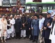 کراچی، گورنر سندھ عمران اسماعیل کے ہمراہ کراچی پورٹ پر وفاقی وزراء ..