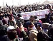کوئٹہ، سانحہ مچھ کے شہداء کو مغربی پاس ہزارہ قبرستان میں سپردخاک کرنے ..