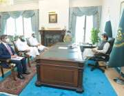 اسلام آباد، وزیراعظم عمران خان سے مولانا طارق جمیل ملاقات کررہے ہیں۔