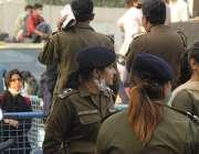 لاہور، خواتین پولیس افسران خواتین کے عالمی دن کے موقع پر عورت مارچ ..
