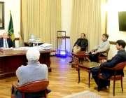 لاہور، گورنر پنجاب چوہدری محمد سرور سے تحریک انصاف کے رُکن قومی اسمبلی ..