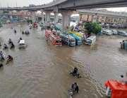 کراچی، شدید بارش کے بعد پاورچورنگی کے علاقے کا ایک منظر۔