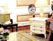 لاہور، گورنر پنجاب چوہدری محمد سرور سے وزیراعظم کے معاون خصوصی ڈاکٹر ..