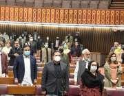 اسلام آباد، قومی اسمبلی کے اجلاس کے آغاز پر ارکان اسمبلی قومی ترانے ..