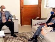 اسلام آباد، وزیر خزانہ ڈاکٹر عبدالحفیظ شیخ سے پے اینڈ پینشن کمیشن کی ..