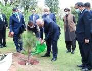اسلام آباد، اُزبکستان کے وزیر خارجہ ڈاکٹر عبدالعزیز کامیلو دفتر خارجہ ..