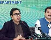 اسلام آباد، وزیراعظم کے خصوصی مشیر ڈاکٹر شہباز گل اور رُکن قومی اسمبلی ..