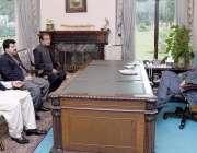 اسلام آباد، وزیراعظم عمران خان سے وفاقی وزیر اطلاعات و نشریات سینیٹر ..