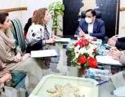 لاہور، وزیراعلی پنجاب سردار عثمان بزدار سے خواتین ارکان صوبائی اسمبلی ..
