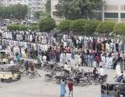 کراچی، کورونا وائرس کی چوتھی لہر اور کیسز بڑھنے کے باوجود ایکسپو سینٹر ..