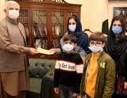 پشاور، وزیراعلی خیبرپختونخوا محمود خان مرحوم ڈاکٹر محمد جاوید کے اہلخانہ ..