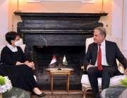 نیویارک، وزیرخارجہ شاہ محمود قریشی سے انڈونیشیا کی ہم منصب ریتنو مرسودی ..
