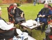پشاور، وزیراعلی خیبرپختونخوا محمود خان سے صوبائی وزیر صحت و خزانہ ..