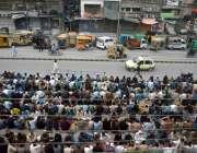 راولپنڈی، تاجروں کی جانب سے ایمپریل مارکیٹ کے سامنے روزے داروں کیلئے ..