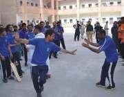 پشاور، سینٹرل جیل پشاور میں عید کے پرمسرت موقع پر کرکٹ ٹورنامنٹ جیتنے ..