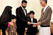 وزیراعلی خیبرپختونخوا نے نو سالہ طالب علم رائے حارث منظور کو ایک لاکھ ..