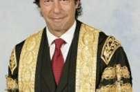 عمران خان کا بریڈ فورڈ یونیورسٹی چانسلر کا عہدہ چھوڑنے کا اعلان