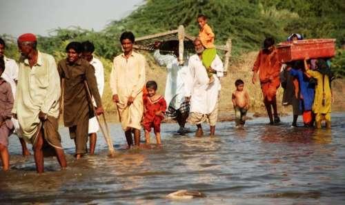 سیلاب سے متاثرہ علاقوں کے مکین ..