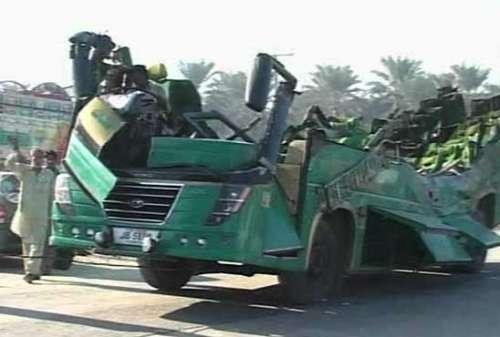 خیرپور:مسافر بس ، ٹرک میں خوفناک ..