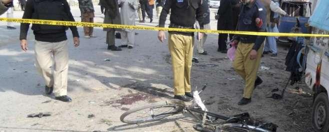 کوہاٹ میں پولیس لائن کے قریب سڑک کنارے نصب بم پھٹنے سے 11افراد جاں بحق ..