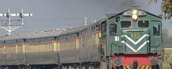 سبی ریلوے اسٹیشن پر جعفر ایکسپریس میں دھماکے سے 12 افراد جاں بحق، درجنوں ..