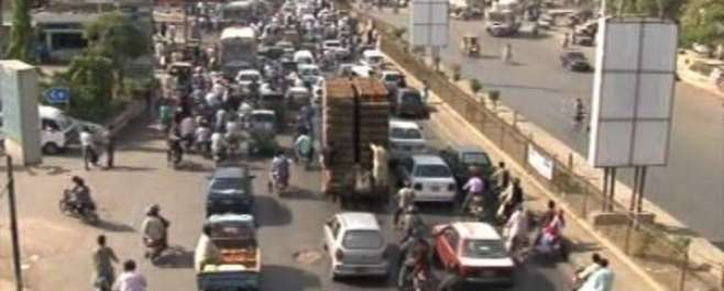 اہلسنت والجماعت کےدھرنےکےباعث کراچی میں بدترین ٹریفک جام