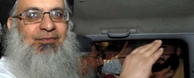سول سوسائٹی ہنگامہ آرائی کیس، لال مسجد کے خطیب عبدالعزیز کے وارنٹ گرفتاری ..