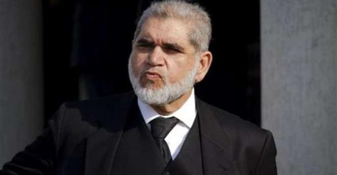 مشرف کو ایسی کوئی معذوری نہیں کہ عدالت میں پیش نہ ہوسکیں، اکرم شیخ