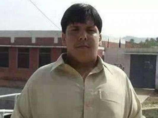 خودکش حملہ آور کو روکنے والے شہید اعتزاز حسین کو پاک فوج کی سلامی