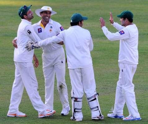 شارجہ ٹیسٹ؛ سری لنکا نے پہلی اننگز 428 رنز 9 کھلاڑی آؤٹ پر ڈکلیئر کردی