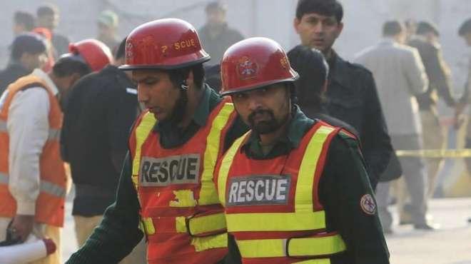 راولپنڈی ،مبینہ خود کش حملہ آور کا سر اور جسم کے اعضاء کو اکٹھا کر کے ..