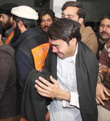 پشاور ، سکیم چوک کے قریب ایک ورکشاپ میں زور دار بم دھماکے کے نتیجے میں ..