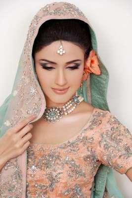 """اپنی فلم """"دیوداس"""" کی شدت سے انتظار ہے' زارا شیخ،ماضی میں پاکستان .."""