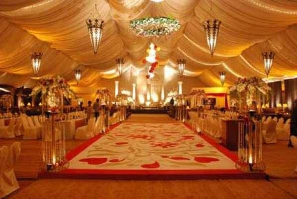 وزیر اعظم نواز شرف کا بھتیجے کی شادی کی تقریب میں شرکت کیلئے آنے والے ..