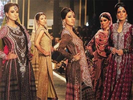 پاکستان فیشن ڈیزائن کونسل کے ساتویں فیشن ویک کا آغاز