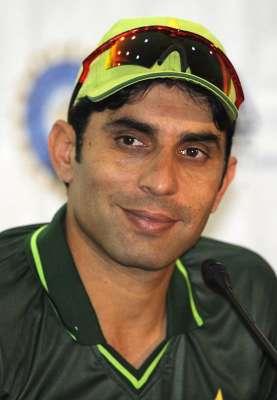 پاکستان کرکٹ بورڈ نے ایک بار پھر مصباح الحق کو ورلڈ کپ 2015 تک کپتان برقراررکھنے ..