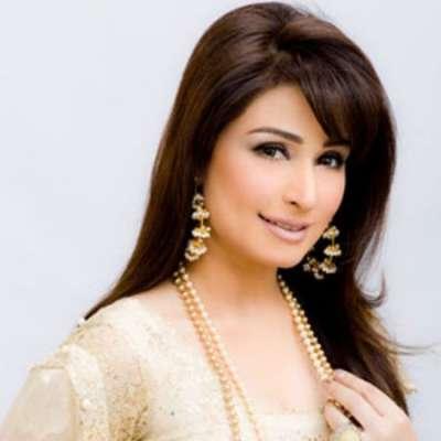 اداکارہ ریما امریکہ سے پاکستان پہنچ گئیں