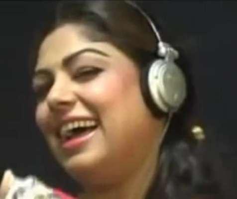 اداکارہ اور گلو کارہ عاصمہ لتا نے اب سٹیج ڈرامے میں کام کرنا شروع کر ..
