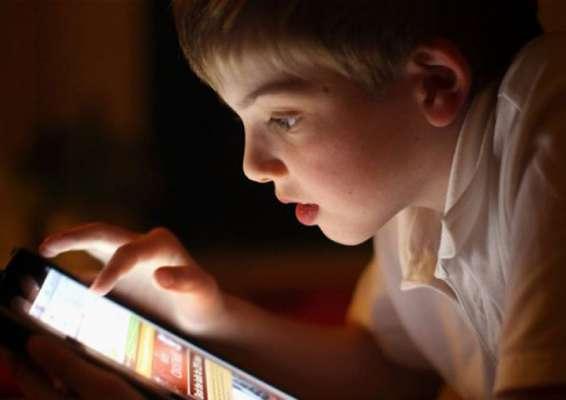 ٹچ اسکرین ڈیوائسز کا استعمال بچوں کیلئے نقصان دہ ہو سکتا ہے