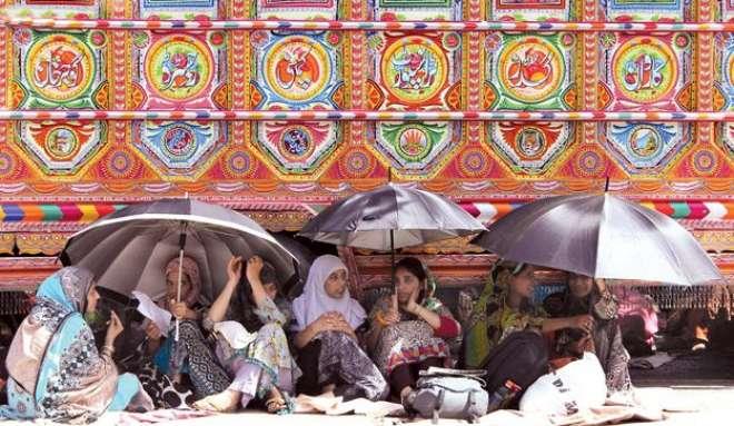 پاکستان عوامی تحریک کے احتجاجی دھرنے میں متعدد حاملہ خواتین کی موجودگی ..