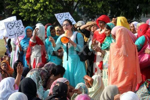وزیراعلی پنجاب نے تمام لیڈی ہیلتھ ورکرز کو ریگولر کر دیا،محکمہ صحت ..