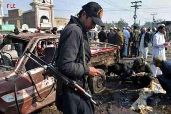 باجوڑ ایجنسی:پولیو ٹیموں کی سیکیورٹی پر مامور گاڑی پر بم حملہ، اہلکاروں ..